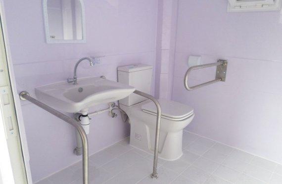 215x215 Mobilna toaleta dla niepełnosprawnych