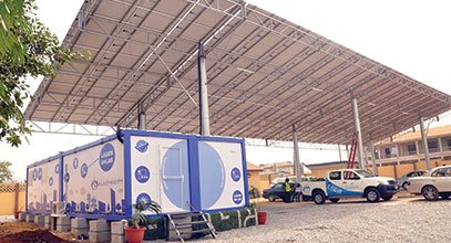 Kontener nowej generacji Karmod służy do przechowywania energii słonecznej w Nigerii
